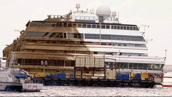 Costa Concordia trial hears claims captain wanted to sail close to island