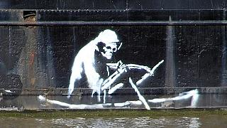 Banksy 60 dollárért árulta vagyont érő vásznait