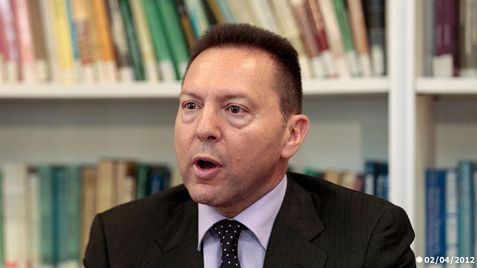 Grèce : les syndicats offrent de la nourriture au ministre des Finances
