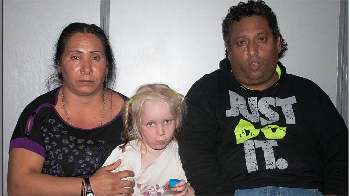 Képek a szőkehajú kislány lehetséges elrablóiról