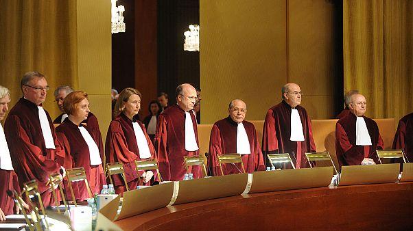 """La Justicia europea declara ilegal el """"céntimo sanitario"""" español"""