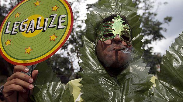 Legalizáció: a drogprobléma megoldása vagy a pokolba vezető út?
