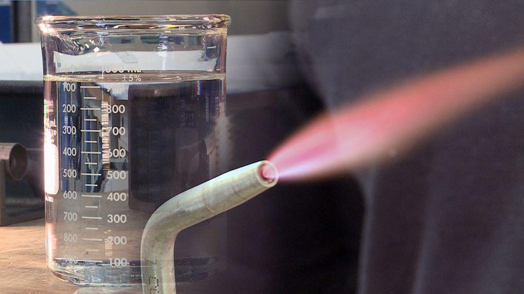 جهاز لتوليد الطاقة من الماء