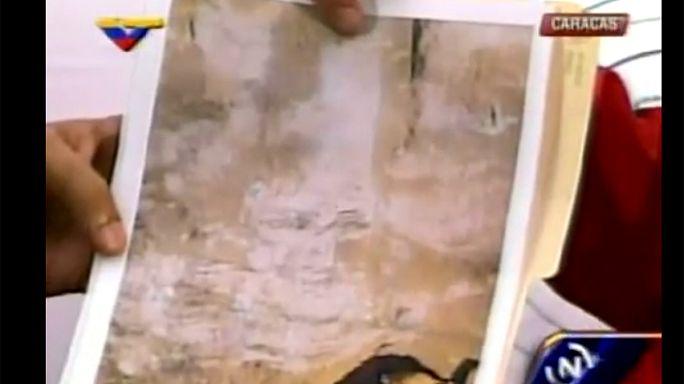 """Chavez is everywhere"": ex-Venezuelan president's image seen in subway"