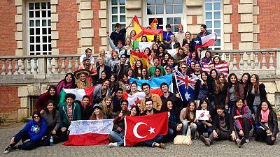 Wert rectifica y anuncia que los Erasmus españoles recibirán toda la beca
