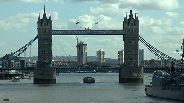 Évi 25 milliárd fontot hoznak a brit gazdaságnak az uniós bevándorlók