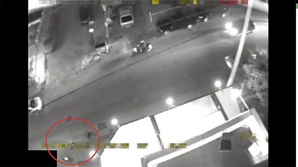 فيدو يظهر عملية اغتيال شخصين أمام مقر حزب الفجر الذهبي اليوناني