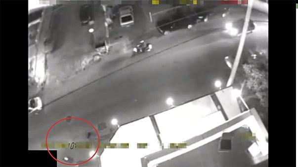 La policía griega publica el vídeo del asesinato a balazos de dos miembros de Amanecer Dorado