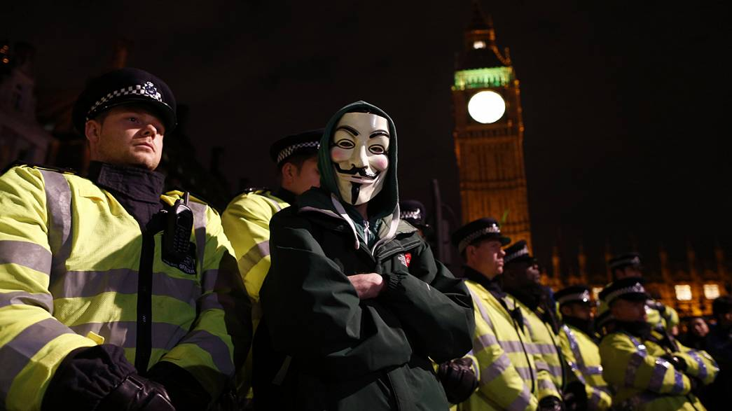 Fireworks hit Buckingham Palace during Guy Fawkes night protest in London