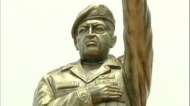 Bolivia honours Venezuela's Hugo Chavez with a statue