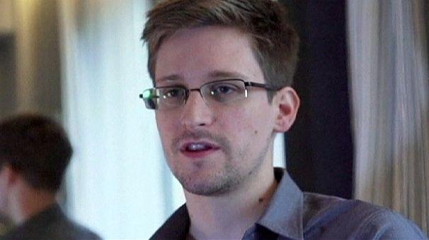 Snowden utilizó las contraseñas de sus compañeros