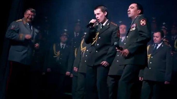 A Get Lucky-t énekli az orosz rendőrkórus