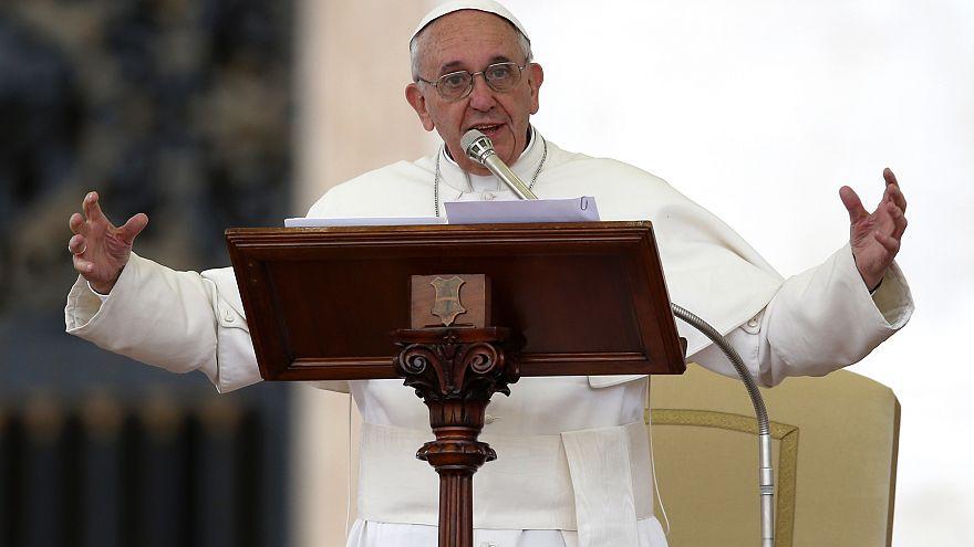 A maffia célkeresztjében áll Ferenc pápa