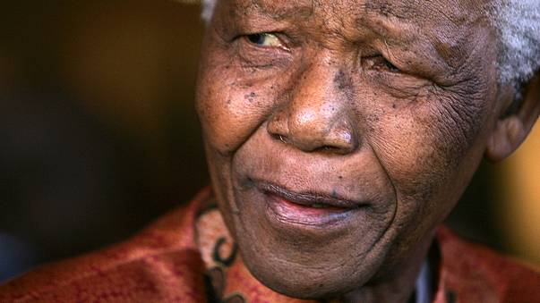 Nelson Mandela remains in stable but critical condition