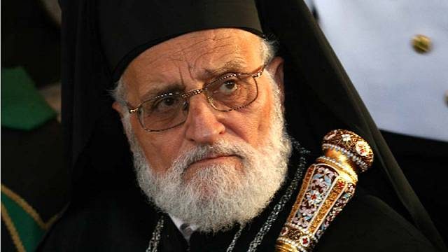 البطريرك لحام يدعو المسيحيين السوريين الى البقاء في بلادهم