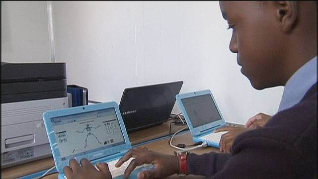 Studiare e curarsi nel villaggio digitale, dove non c'era nemmeno un computer