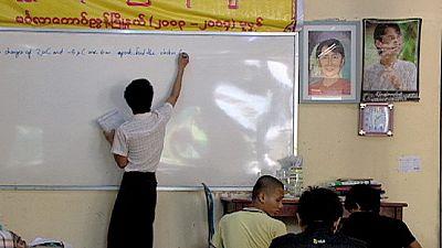 Transition démocratique en Birmanie