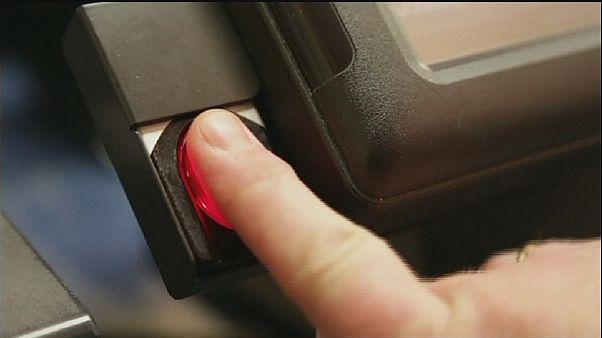 Sensor biométrico em vez de palavra passe