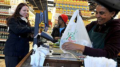 US: Battle over food stamps spoils Thanksgiving for the poor