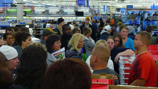 Black eyes on Black Friday: American shoppers fight over bargains