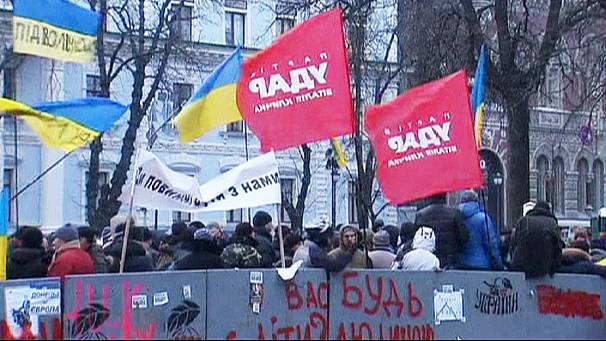 Uneasy OSCE meeting held amid Kyiv protests
