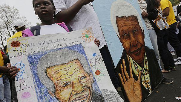 Sudáfrica y el mundo entero lloran la muerte de Nelson Mandela