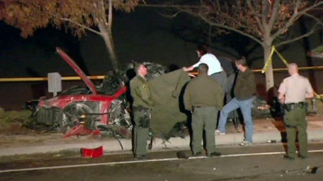 Loptak a Paul Walker halálát okozó autó roncsaiból