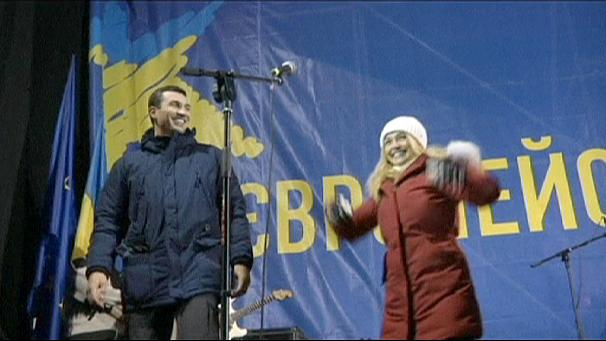 'Keep fighting', Klitschko fiancée Hayden Panettiere tells Ukraine rally