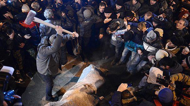 مظاهرات حاشدة في أوكرانيا من تنظيم المعارضة والموالاة