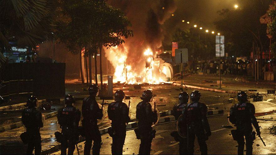 Szingapúr: vendégmunkások csaptak össze rendőrökkel