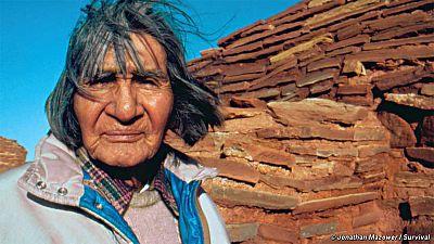 Les indiens Hopi récupèrent leurs masques sacrés grâce à la ruse
