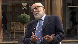 Entrevista ao galardoado Nobel da Física, François Englert