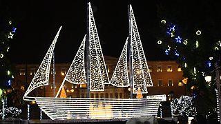 Το καράβι της Αθήνας άνοιξε πανιά για τις γιορτές