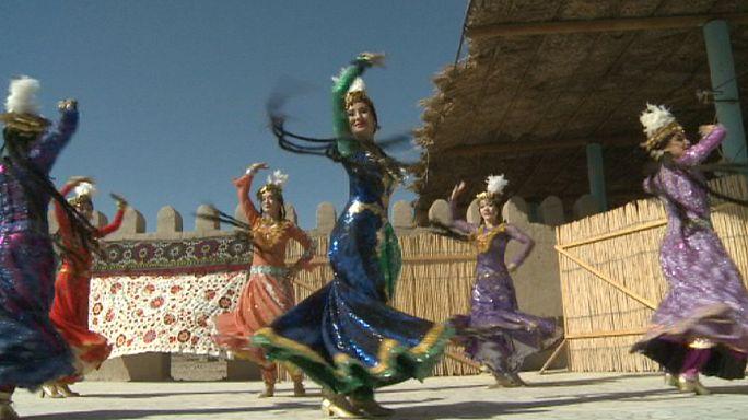 Künstlerisch und geheimnisvoll: Die usbekische Stadt Chiva