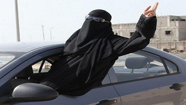 توقيف ناشطتين سعوديتين قادتا سيارة في الرياض