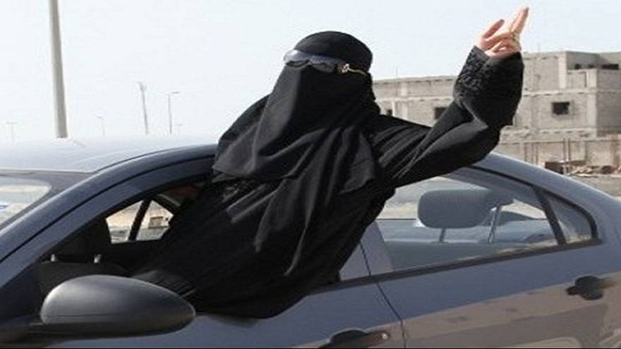 2 Saudi women arrested for driving