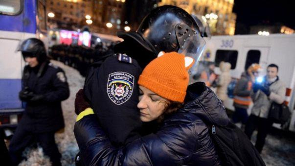 Online Vox pop : Qu'est-ce-qui vous a fait rejoindre les manifestations en Ukraine?