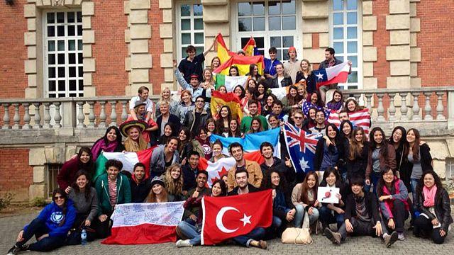 Los estudiantes erasmus sí recibirán la ayuda española