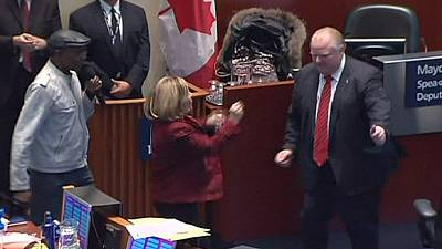 Mayor puts on dancing show at Toronto City Hall