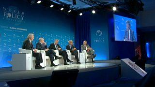 Дипломатия и диалог решат глобальные проблемы?
