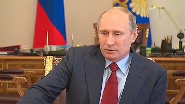"""Putin says Russia had to help """"brotherly"""" Ukraine"""