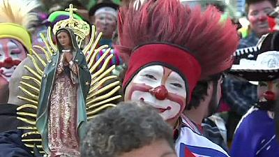 350 clowns go on annual pilgrimage – nocomment