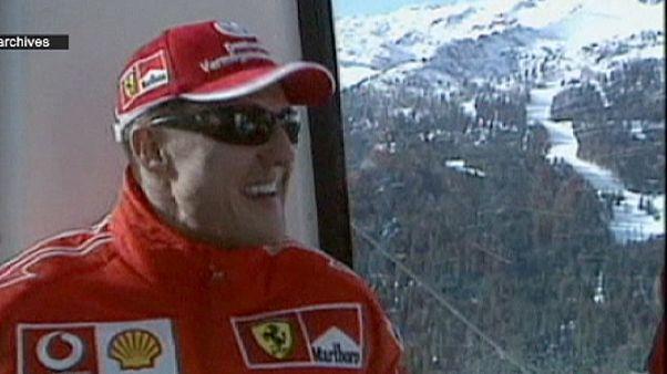 """Michael Schumacher apresenta """"ligeira melhoria"""""""
