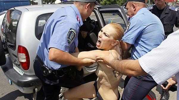 FEMEN: Οι καλύτερες...φωτογραφίες διαμαρτυρίας για το 2013