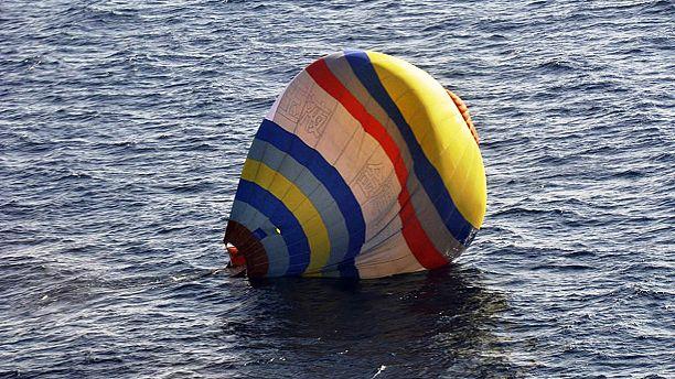 Balão tripulado por um chinês cai nas disputadas ilhas de Senkaku