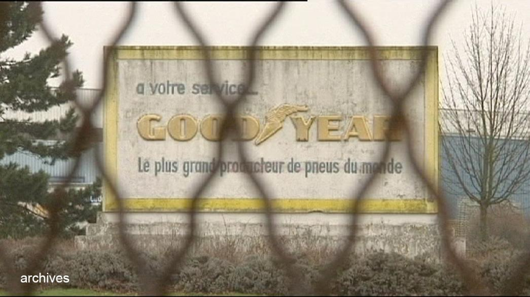 Túszként tartanak fogva két menedzsert egy francia gumigyárban