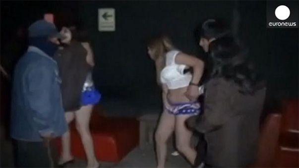 Pérou : descente punitive anti-prostitution dans un club