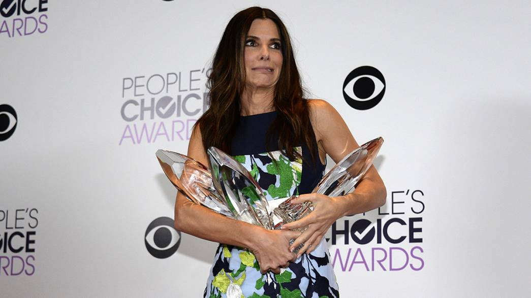 Bullock, Timberlake sweep 2014 People's Choice Awards