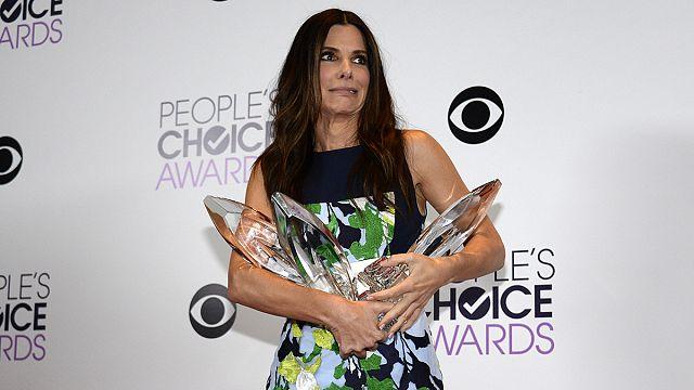 Bullock, Timberlake sweep 2014 People's Choice Awards