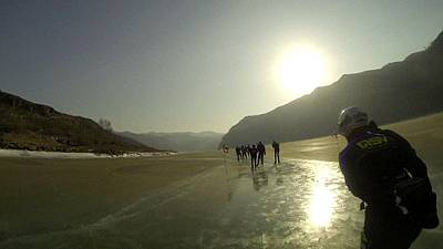 Ice skating on frozen Yellow River in China – nocomment